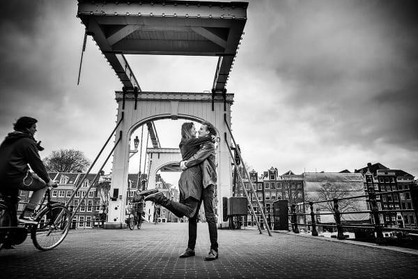 fotoshoot Magere Brug Amsterdam loveshoot