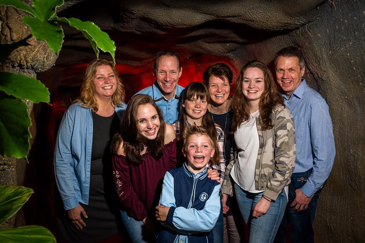 familiefoto's gezinsportret fotografie fotostudio thuis fotoshoot Nieuw-Vennep Hoofddorp