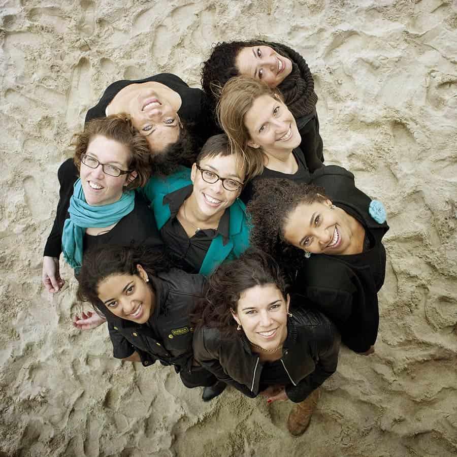 fotograaf Noordwijk vriendinnen fotoshoot strand vrijgezellenfeest party vriendinnenshoot