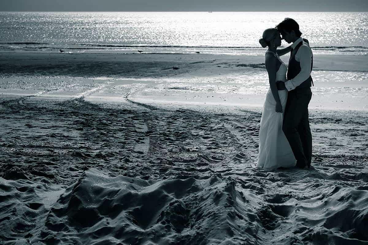 fotograaf bruiloft strand Noordwijk trouwen trouwfoto bruidsfotografie