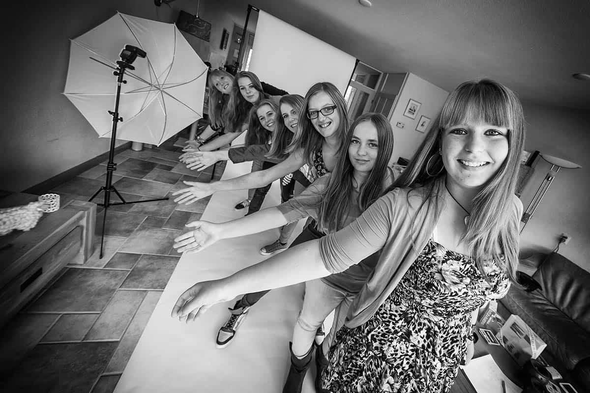 fotoshoot meisjes tienershoot tienerfeestje fotoparty fotograaf modellenparty Haarlem